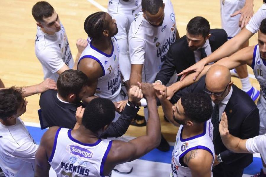 https://www.basketmarche.it/immagini_articoli/19-10-2020/brindisi-coach-vitucci-inguardabili-primo-tempo-sontuosi-secondo-tempo-600.jpg