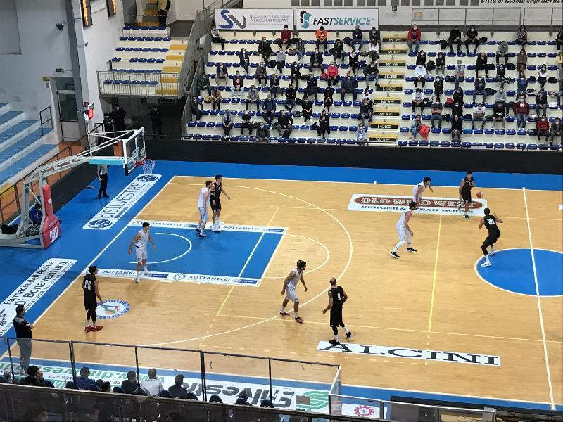 https://www.basketmarche.it/immagini_articoli/19-10-2020/supercoppa-niente-fare-virtus-civitanova-campo-pallacanestro-roseto-600.jpg