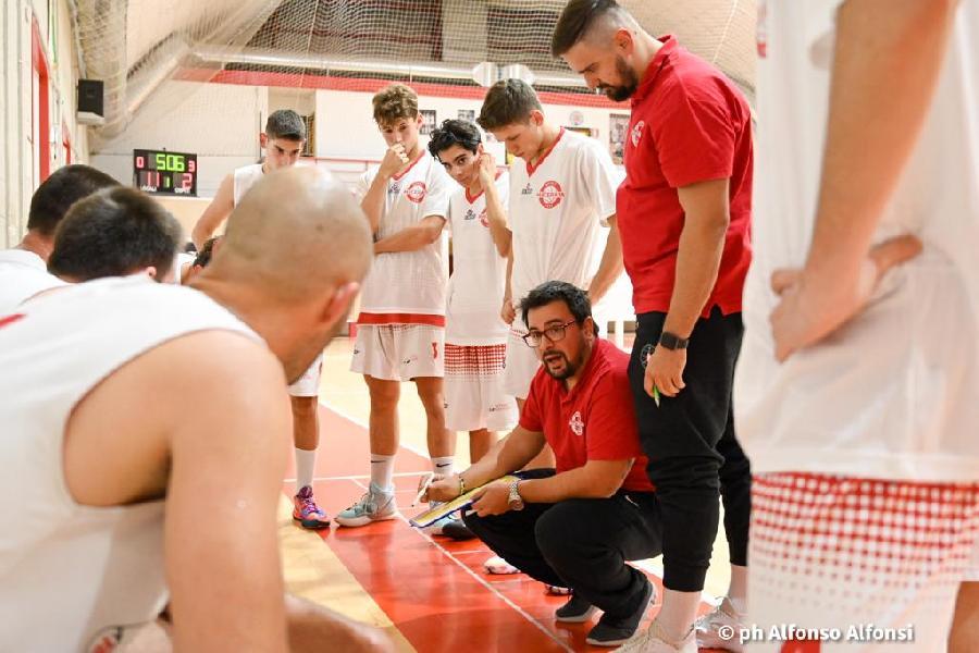 https://www.basketmarche.it/immagini_articoli/19-10-2021/basket-macerata-coach-brachetti-sono-contento-approccio-partita-importante-cominciare-bene-600.jpg