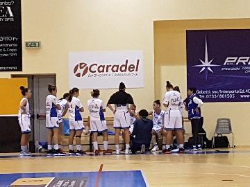 https://www.basketmarche.it/immagini_articoli/19-11-2017/serie-a2-femminile-la-feba-civitanova-torna-a-mani-vuote-da-faenza-270.jpg
