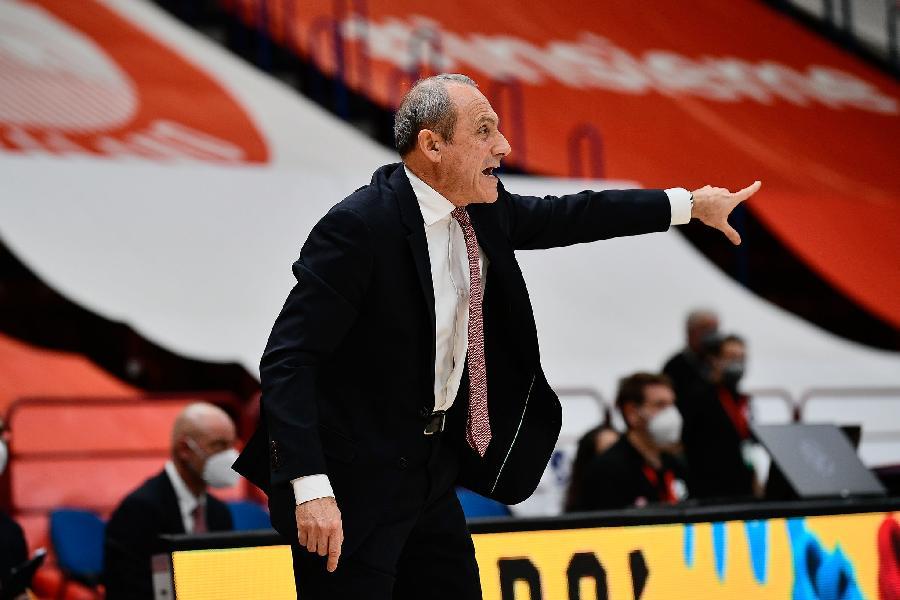 https://www.basketmarche.it/immagini_articoli/19-11-2020/milano-coach-messina-stella-rossa-solida-abbiamo-avuto-abbastanza-energia-600.jpg