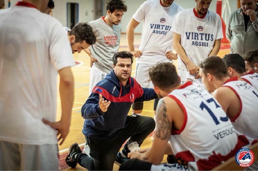 https://www.basketmarche.it/immagini_articoli/19-12-2018/virtus-assisi-coach-piazza-buon-girone-andata-lavoriamo-crescere-ancora-600.jpg