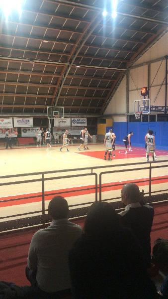 https://www.basketmarche.it/immagini_articoli/19-12-2019/anticipo-pesaro-basket-espugna-campo-wildcats-conferma-capolista-imbattuta-600.jpg