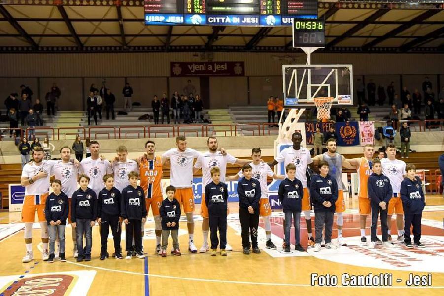 https://www.basketmarche.it/immagini_articoli/19-12-2019/capolista-janus-fabriano-arriva-momento-atteso-derby-aurora-jesi-600.jpg