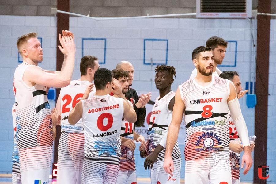https://www.basketmarche.it/immagini_articoli/19-12-2019/unibasket-lanciano-chiamato-riscatto-sfida-sambenedettese-basket-600.jpg