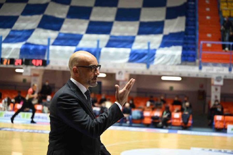 https://www.basketmarche.it/immagini_articoli/19-12-2020/brindisi-coach-vitucci-sconfitta-meritata-funzionato-nulla-responsabilit-600.jpg