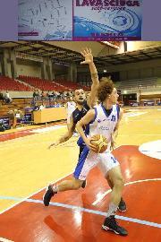 https://www.basketmarche.it/immagini_articoli/20-01-2018/d-regionale-l-aesis-jesi-vince-il-derby-contro-i-titans-jesi-270.jpg