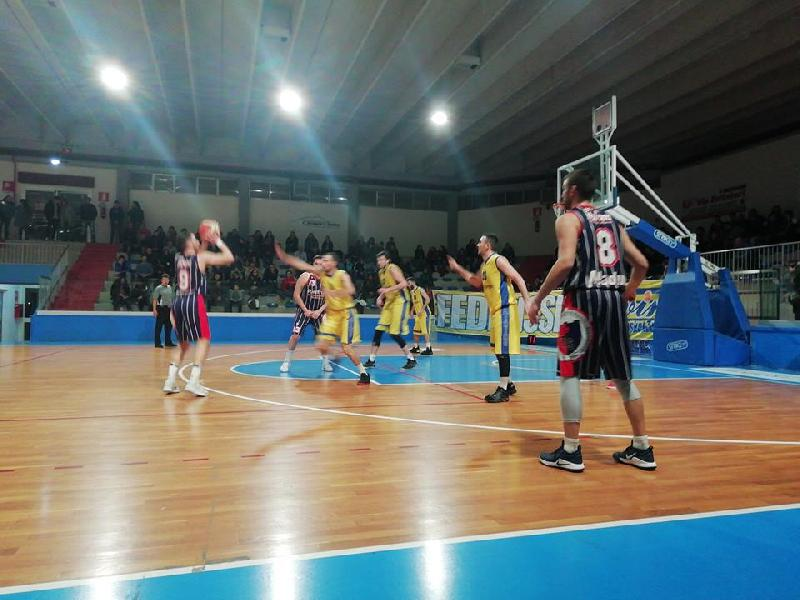 https://www.basketmarche.it/immagini_articoli/20-01-2019/airino-basket-termoli-supera-merito-torre-spes-torre-passeri-600.jpg