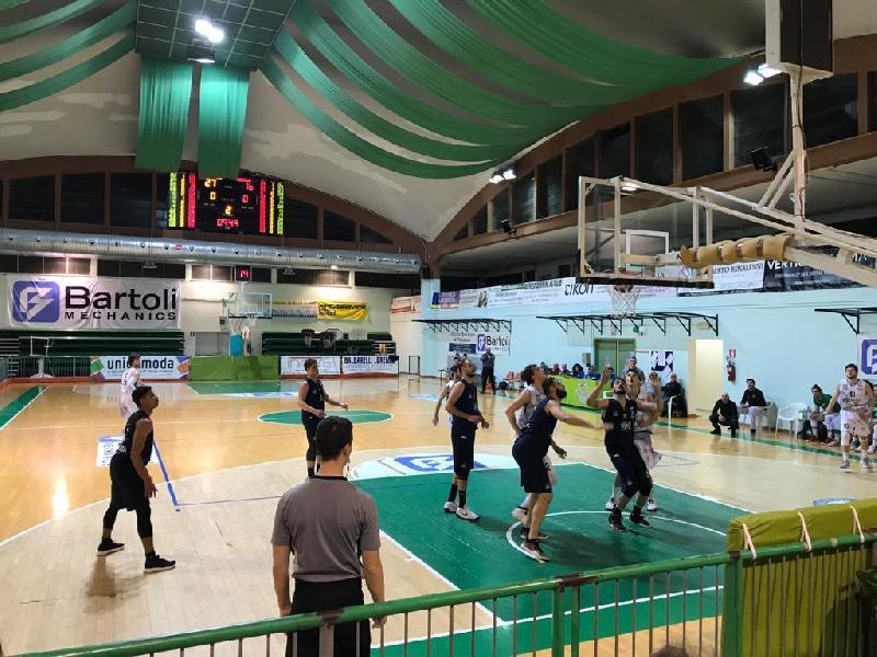 https://www.basketmarche.it/immagini_articoli/20-01-2019/basket-fossombrone-travolge-isernia-basket-600.jpg