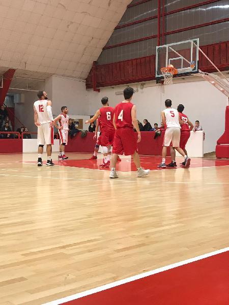 https://www.basketmarche.it/immagini_articoli/20-01-2019/basket-maceratese-riconquista-vetta-classifica-600.jpg
