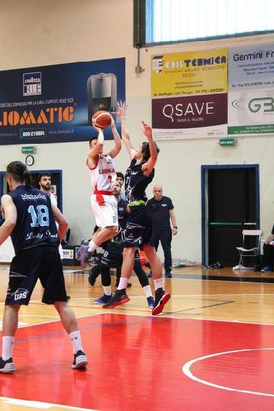 https://www.basketmarche.it/immagini_articoli/20-01-2019/frolov-marsili-bastano-perugia-basket-mani-vuote-matelica-600.jpg