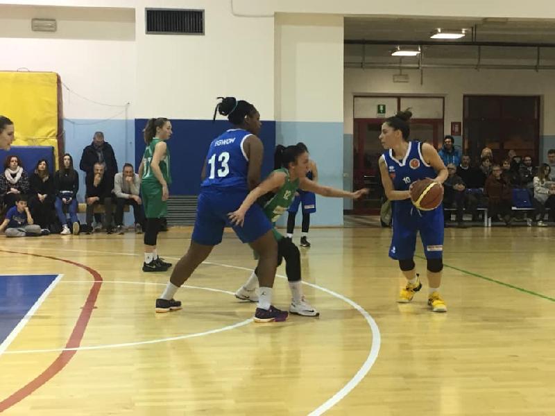 https://www.basketmarche.it/immagini_articoli/20-01-2019/porto-giorgio-basket-sconfitto-casa-blubasket-spoleto-600.jpg