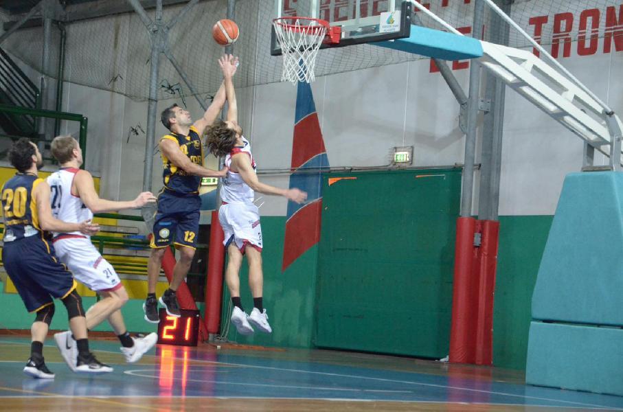 https://www.basketmarche.it/immagini_articoli/20-01-2019/serie-gold-live-gare-domenica-terza-ritorno-tempo-reale-600.jpg