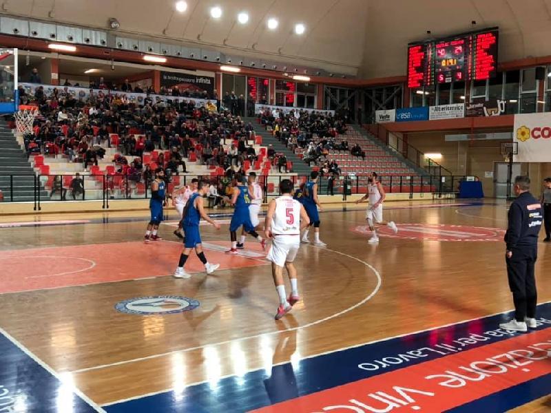 https://www.basketmarche.it/immagini_articoli/20-01-2019/serie-silver-live-girone-abruzzo-marche-risultati-domenica-tempo-reale-600.jpg