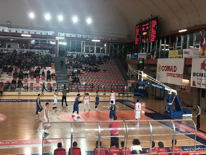 https://www.basketmarche.it/immagini_articoli/20-01-2019/vasto-basket-ferma-vince-scontro-diretto-olimpia-mosciano-600.jpg