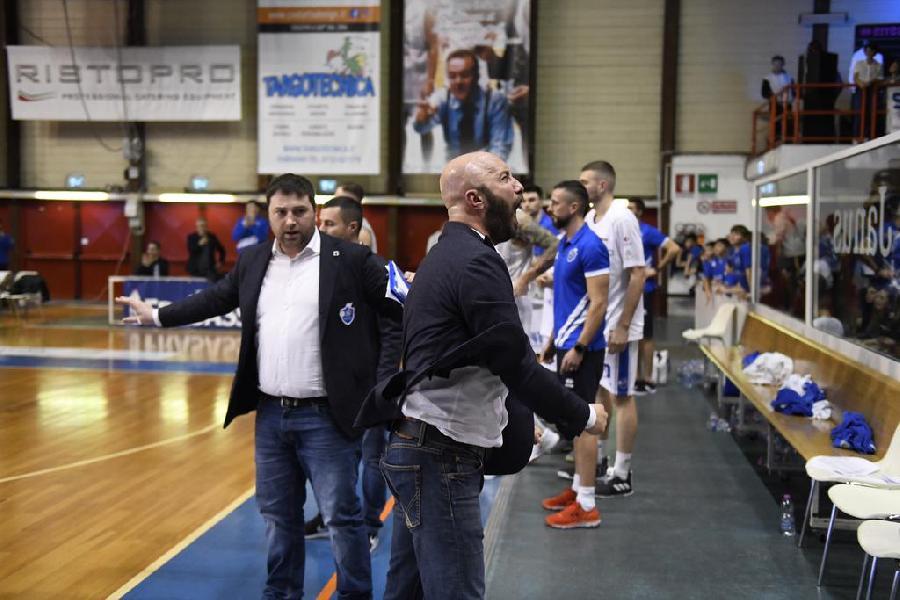 https://www.basketmarche.it/immagini_articoli/20-01-2020/janus-fabriano-sbaglia-batte-chieti-conferma-testa-classifica-600.jpg