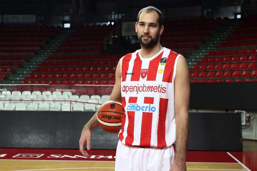 https://www.basketmarche.it/immagini_articoli/20-01-2020/poderosa-montegranaro-arrivo-centro-croato-mario-delas-600.jpg