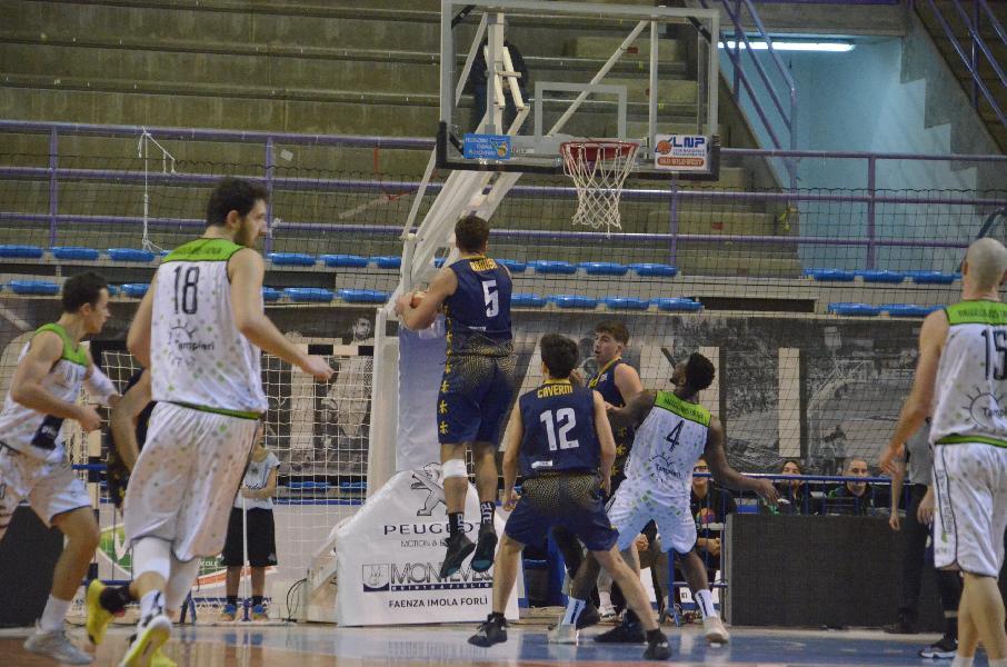 https://www.basketmarche.it/immagini_articoli/20-01-2020/sutor-montegranaro-mani-vuote-faenza-600.jpg