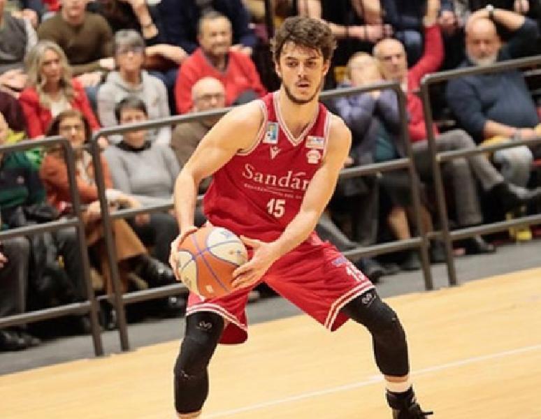 https://www.basketmarche.it/immagini_articoli/20-01-2021/ufficiale-alessandro-sperduto-giocatore-partenope-sant-antimo-600.jpg