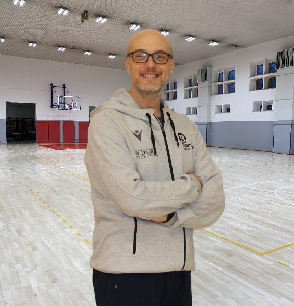 https://www.basketmarche.it/immagini_articoli/20-03-2021/bramante-pesaro-coach-nicolini-matelica-squadra-roster-competitivo-giuste-ambizioni-vittoria-finale-600.jpg