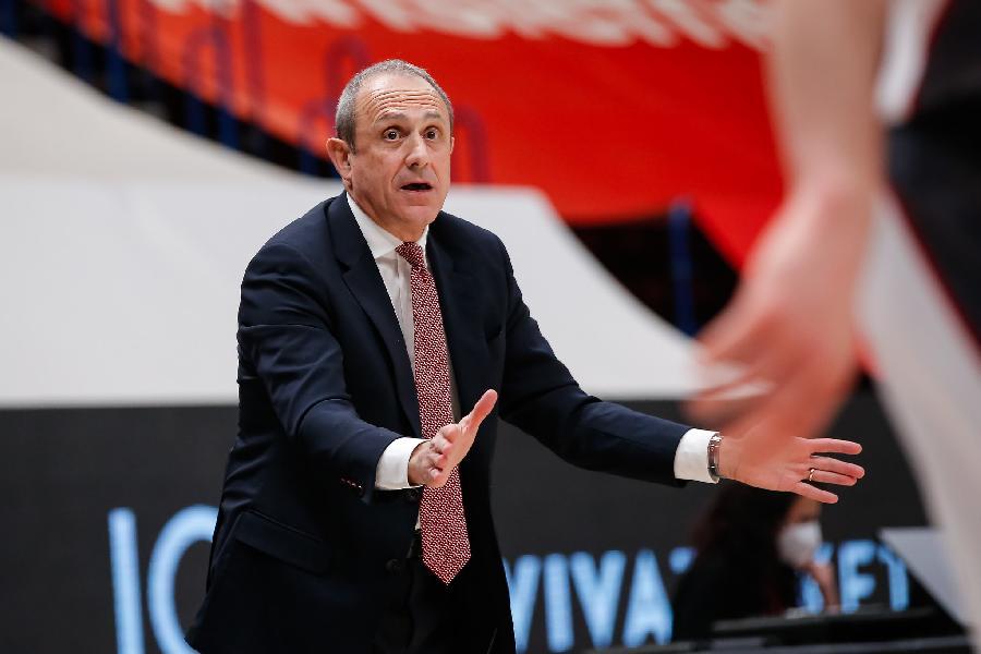 https://www.basketmarche.it/immagini_articoli/20-03-2021/olimpia-milano-coach-messina-complimenti-barcellona-abbiamo-giocato-brutta-partita-600.jpg