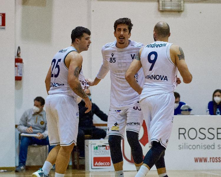 https://www.basketmarche.it/immagini_articoli/20-03-2021/virtus-civitanova-affronta-trasferta-mestre-roster-completo-600.jpg