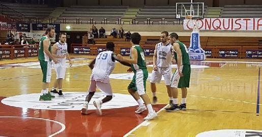 https://www.basketmarche.it/immagini_articoli/20-04-2018/d-regionale-playoff-gara-2-il-cab-stamura-ancona-pareggia-i-conti-contro-la-virtus-jesi-270.jpg