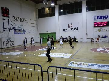 https://www.basketmarche.it/immagini_articoli/20-04-2018/d-regionale-playoff-gara-2-la-pallacanestro-acqualagna-espugna-civitanova-e-vola-in-semifinale-270.jpg