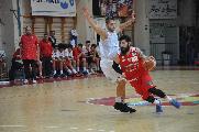 https://www.basketmarche.it/immagini_articoli/20-04-2019/niente-fare-pallacanestro-senigallia-campo-pallacanestro-nard-120.jpg