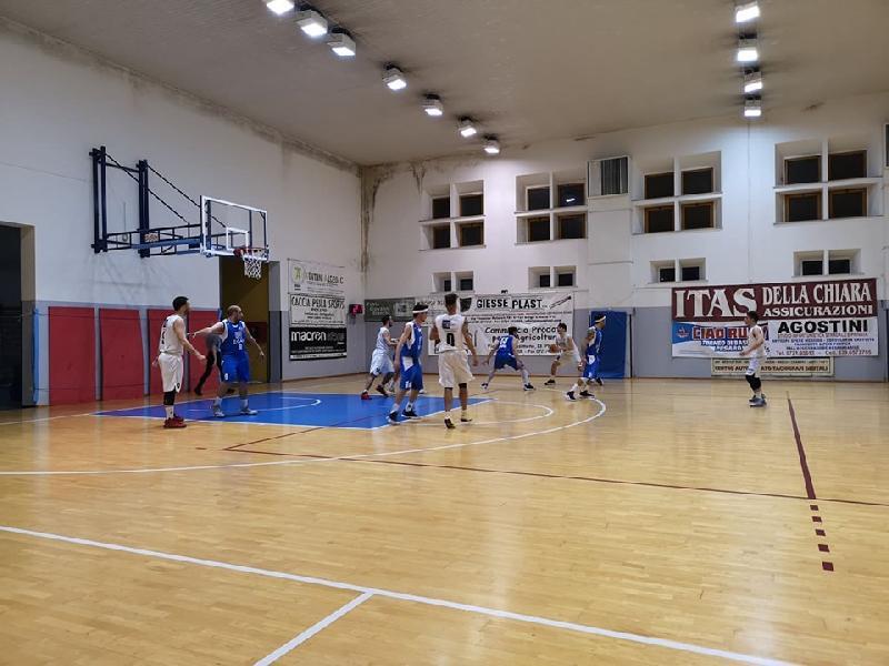 https://www.basketmarche.it/immagini_articoli/20-05-2019/regionale-finals-basket-giovane-pesaro-pareggia-conti-montemarciano-600.jpg