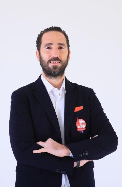 https://www.basketmarche.it/immagini_articoli/20-05-2020/raggisolaris-faenza-alberto-serra-favorito-ruolo-capo-allenatore-600.jpg
