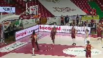 https://www.basketmarche.it/immagini_articoli/20-05-2021/playoff-reyer-venezia-risale-supera-volata-dinamo-sassari-120.png