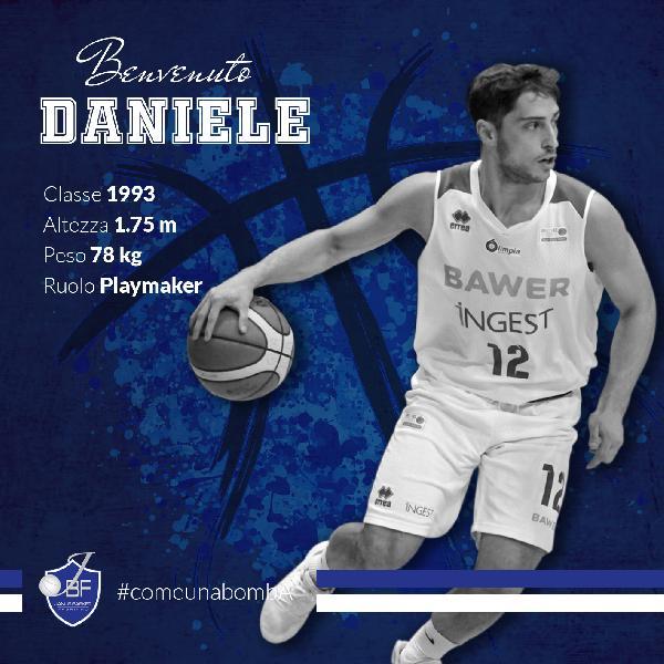 https://www.basketmarche.it/immagini_articoli/20-06-2019/ufficiale-janus-fabriano-firma-play-daniele-merletto-600.jpg