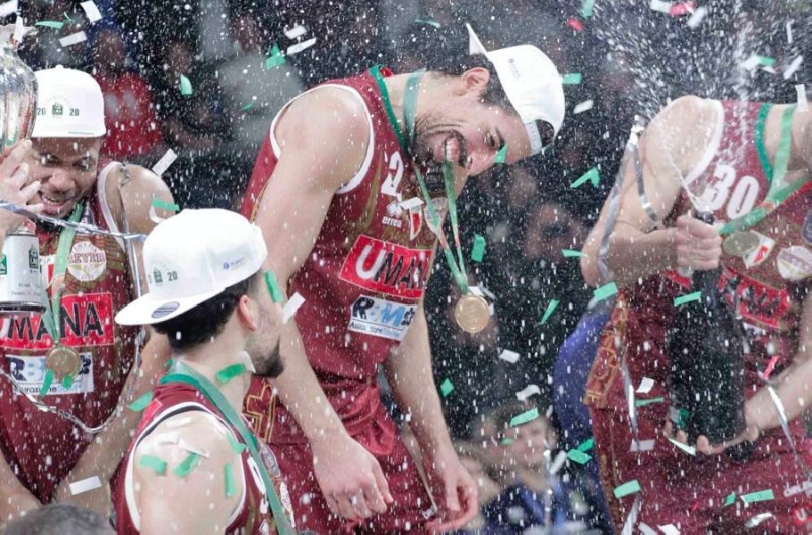 https://www.basketmarche.it/immagini_articoli/20-06-2020/ufficiale-reyer-venezia-valerio-mazzola-ancora-insieme-stagione-2021-600.jpg