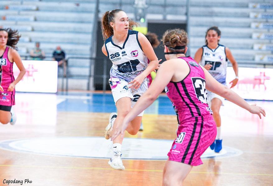https://www.basketmarche.it/immagini_articoli/20-06-2021/facile-vittoria-panthers-roseto-pink-basket-terni-600.jpg