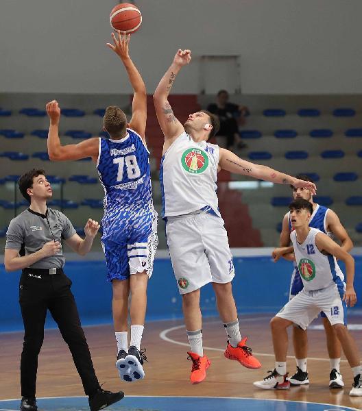https://www.basketmarche.it/immagini_articoli/20-06-2021/regionale-abruzzo-finita-regular-season-atri-molise-basket-young-giocheranno-promozione-silver-600.jpg