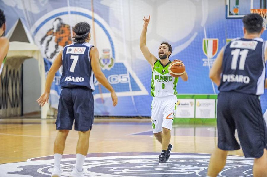 https://www.basketmarche.it/immagini_articoli/20-07-2019/andrea-italiano-lascia-magic-basket-chieti-bellissimo-saluto-societ-coach-castorina-600.jpg