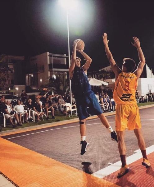https://www.basketmarche.it/immagini_articoli/20-07-2019/ufficiale-siciliano-calogero-micciulla-giocatore-olimpia-mosciano-600.jpg