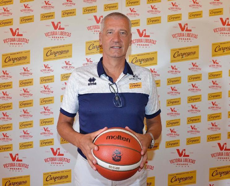 https://www.basketmarche.it/immagini_articoli/20-07-2021/pesaro-coach-petrovic-demetrio-giocatore-ideale-600.jpg