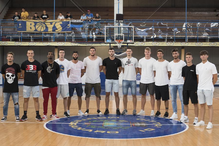 https://www.basketmarche.it/immagini_articoli/20-08-2018/serie-a2-è-partita-l-avventura-della-nuova-poderosa-montegranaro-600.jpg