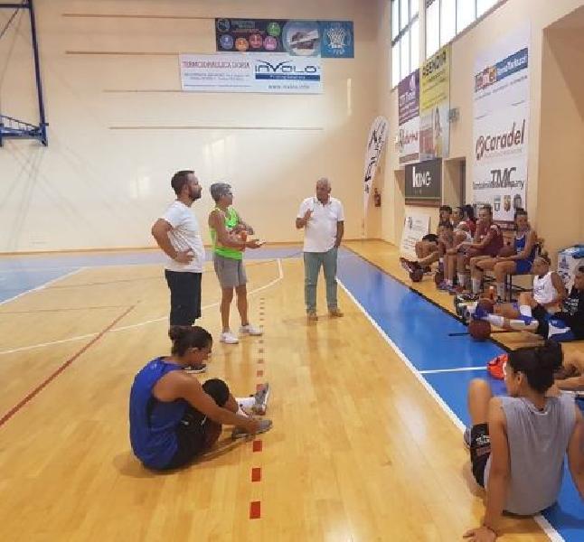 https://www.basketmarche.it/immagini_articoli/20-08-2019/feba-civitanova-lavoro-coach-scalabroni-anno-importante-nostre-atlete-600.jpg