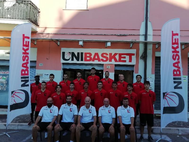 https://www.basketmarche.it/immagini_articoli/20-08-2019/partita-ufficialmente-stagione-unibasket-lanciano-colori-sociali-frentani-600.jpg