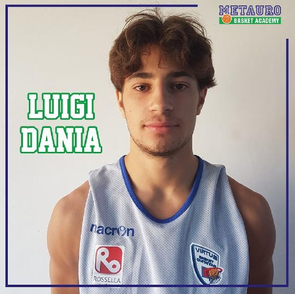 https://www.basketmarche.it/immagini_articoli/20-08-2019/ufficiale-luigi-dania-giocatore-fossombrone-600.jpg