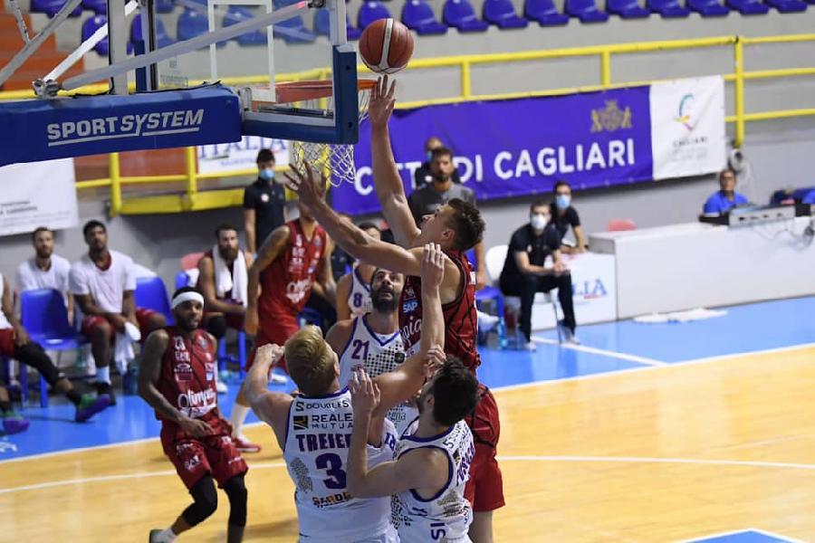 https://www.basketmarche.it/immagini_articoli/20-08-2020/city-cagliari-olimpia-milano-supera-volata-dinamo-sassari-600.jpg