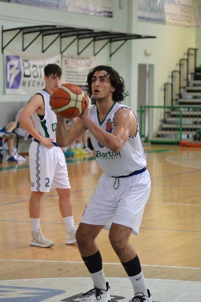 https://www.basketmarche.it/immagini_articoli/20-08-2021/bartoli-mechanics-saluta-ringrazia-nicola-rosettani-600.jpg