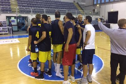 https://www.basketmarche.it/immagini_articoli/20-09-2017/serie-b-nazionale-un-basket-recanati-decimato-fa-sua-l-amichevole-contro-il-campetto-ancona-270.jpg