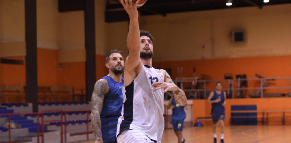 https://www.basketmarche.it/immagini_articoli/20-09-2020/virtus-roma-esordio-dario-hunt-jamil-wilson-scrimmage-scafati-basket-600.jpg