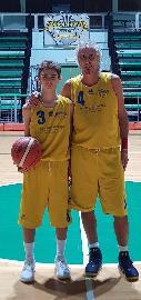 https://www.basketmarche.it/immagini_articoli/20-10-2017/promozione-a-simone-ed-edoardo-santi-stasera-a-fossombrone-si-scrive-la-storia-270.jpg