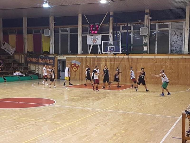 https://www.basketmarche.it/immagini_articoli/20-10-2018/basket-cagli-smacchia-ciancamerla-coro-questo-progetto-bene-basket-cagliese-600.jpg