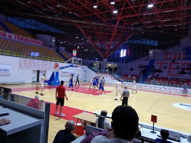 https://www.basketmarche.it/immagini_articoli/20-10-2018/ottimo-scafidi-guida-olimpia-mosciano-vittoria-chieti-600.jpg
